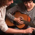Những lưu ý khi học Guitar đệm hát
