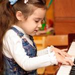 Học bao lâu thì đánh được đàn piano