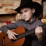 Đàn guitar Avalote Acoustic có dễ chơi không?