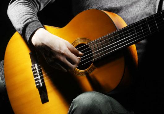 Kỹ thuật tay trái khi chơi đàn guitar