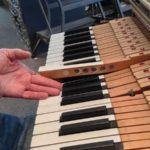 Lỗi dính phím đàn piano điện nguyên nhân và cách khắc phục