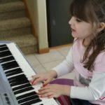 Những lý do bạn nên cho trẻ học đàn organ