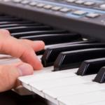 Học đàn organ dịp hè nên chọn trung tâm dạy nhạc nào?
