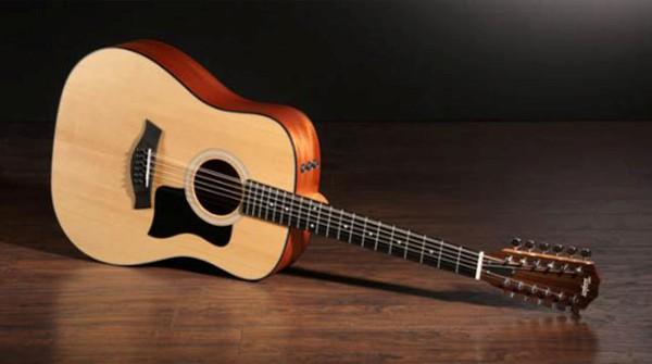 Hướng dẫn cách chọn đàn guitar Acoustic cho người mới tập chơi