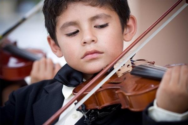 Học violon mất bao nhiêu thời gian có thể chơi được?