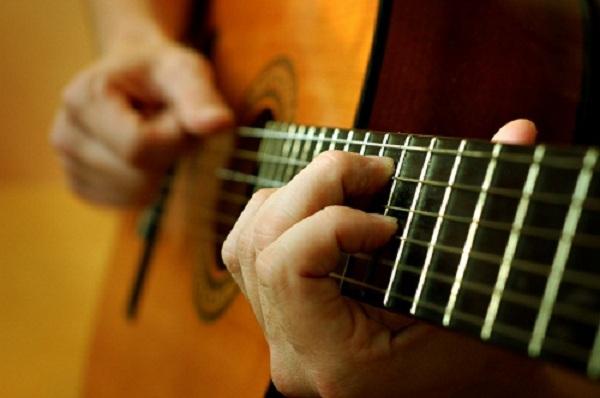 Hướng dẫn tập ngón tay khi bắt đầu học guitar